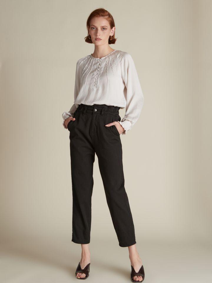מכנסיים בגזרת גזר חגורה אלסטית