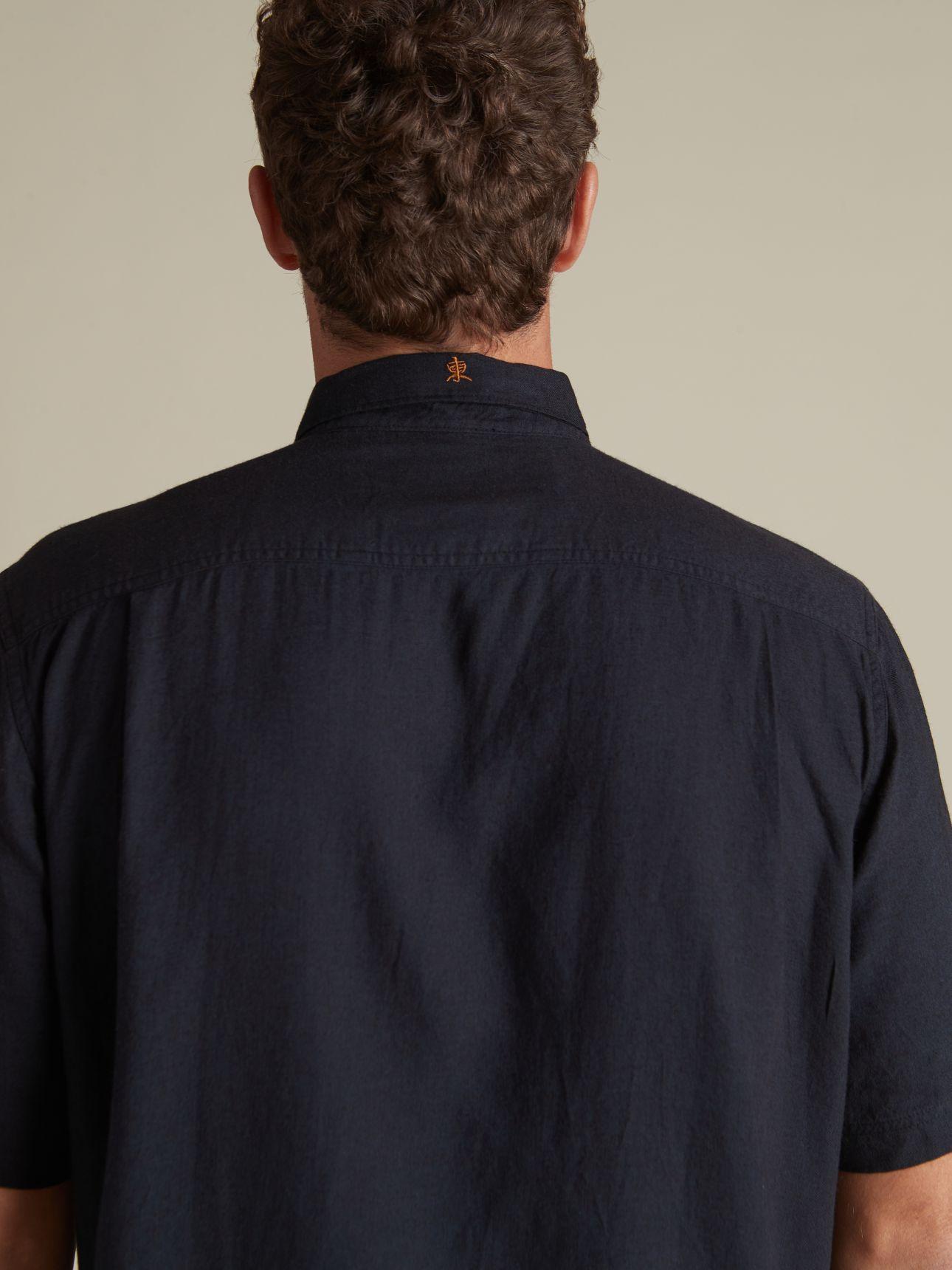 חולצה מכופתרת פשתן
