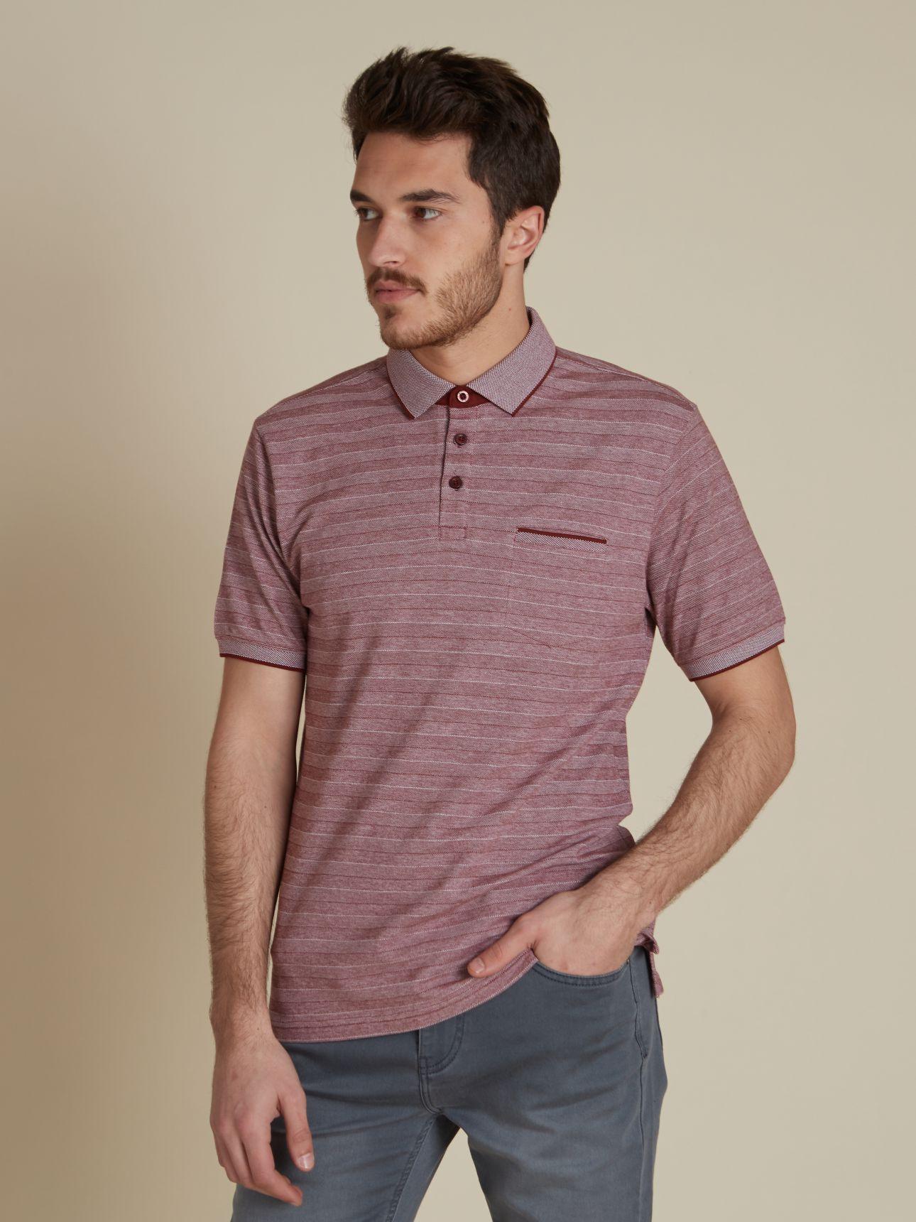 חולצת פולו קצרה עם כיס