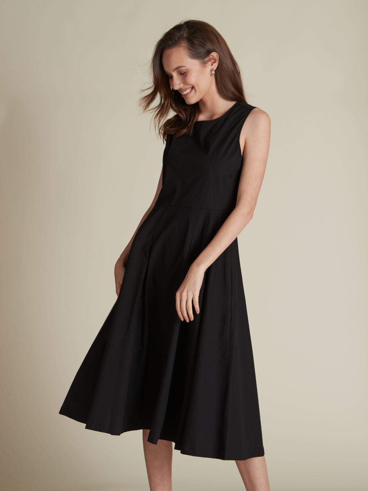 שמלת מידי מתרחבת