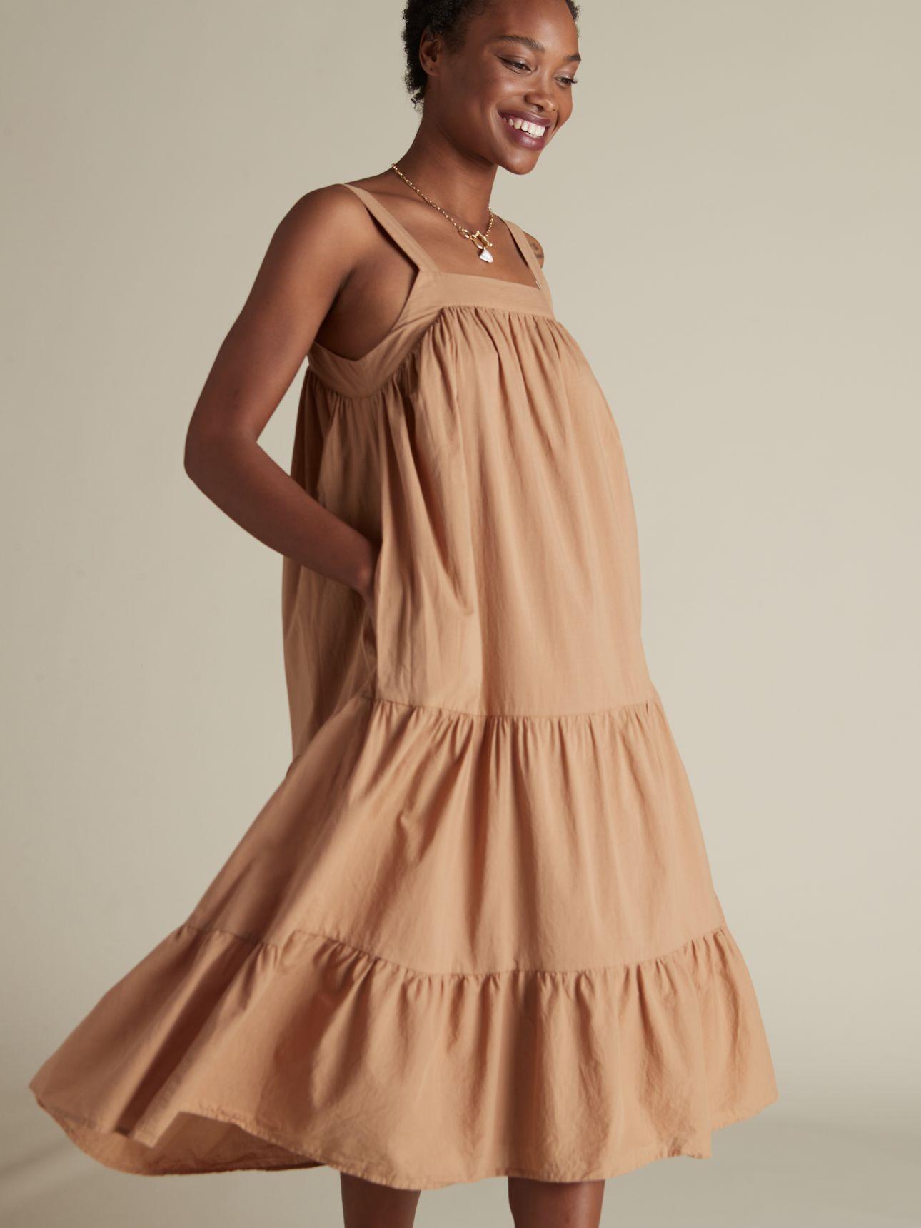 שמלת מידי עם כתפיות
