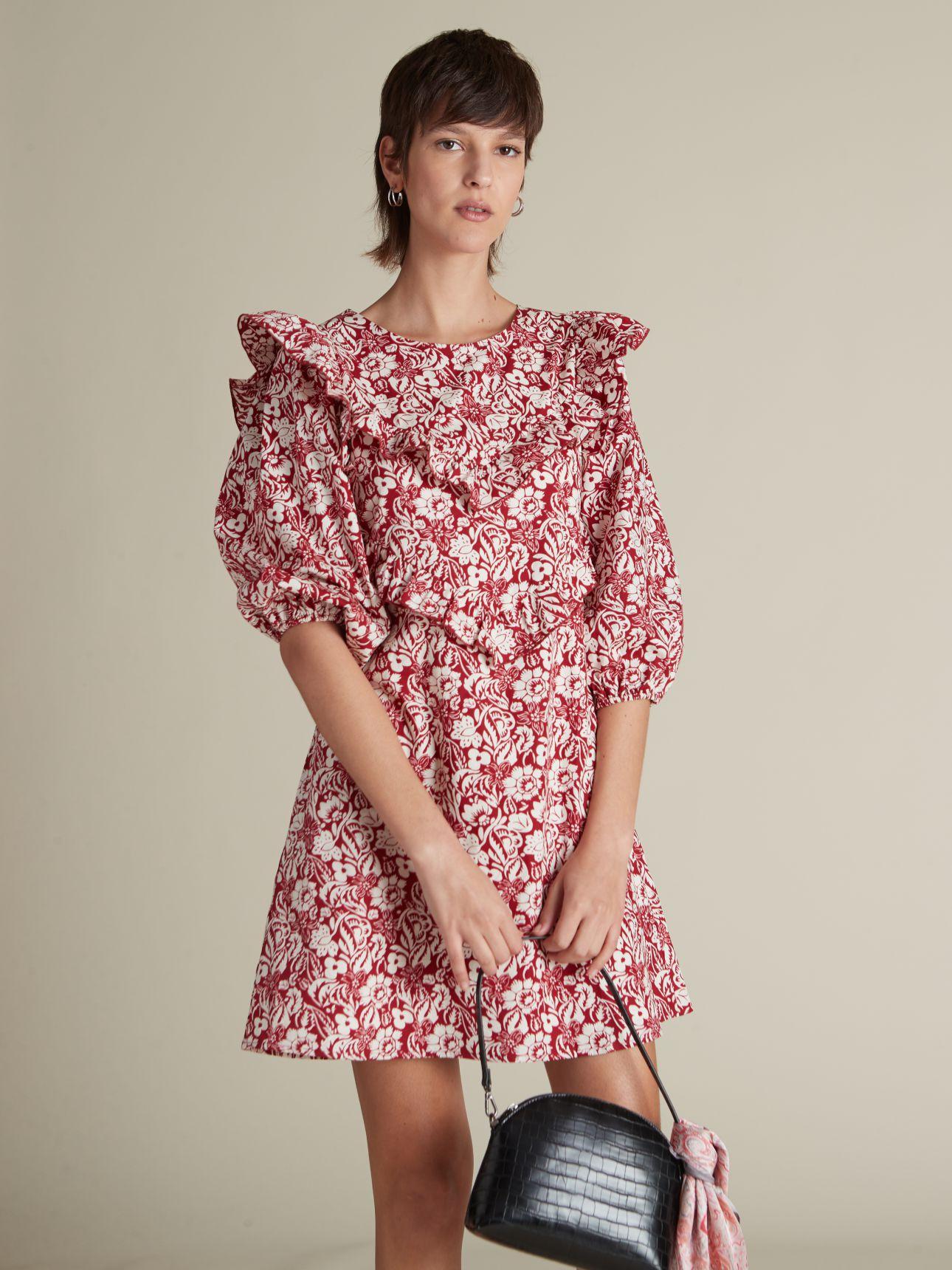שמלת מיני עם וולאן