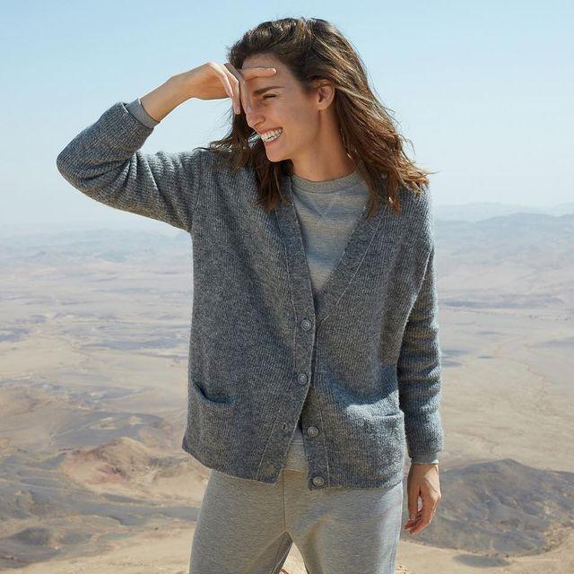 •BLACK FRIDAY SALE• 40% הנחה על קולקציית החורף בחנויות ובאתר.  *בנוסף ובלעדי לאתר: 20% הנחה נוספים על סוודרים וסריגים שאתם פשוט חייבים❤️