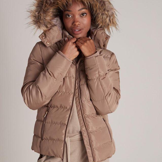 קר,חם ושוב קר🌦זה בדיוק הזמן ליהנות מ- 60% הנחה על כל קולקציית החורף בחנויות!   מחכים לכם❤️